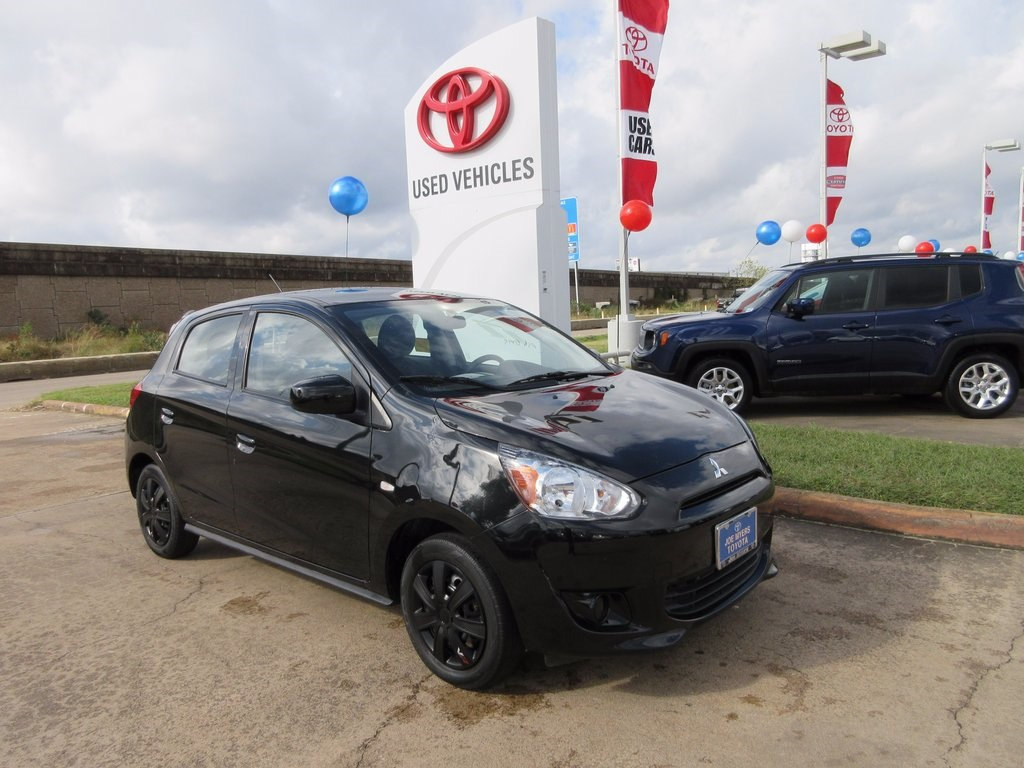 Photo Used 2015 Mitsubishi Mirage DE Hatchback FWD For Sale in Houston