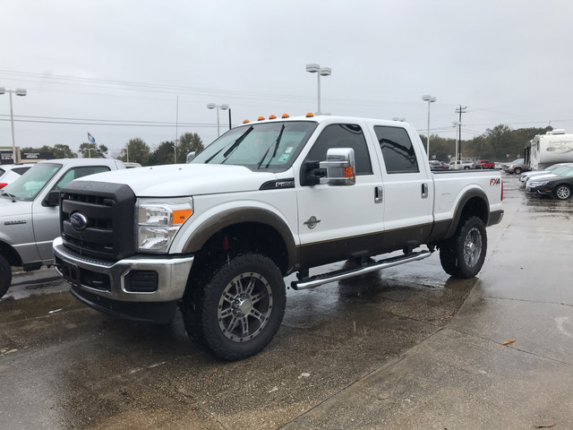Photo 2016 Ford Super Duty F-250 Crew Cab 4WD XL