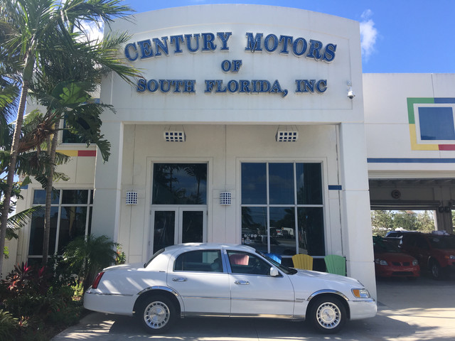 Photo 1998 Lincoln Town Car Executive FLORIDA SALT FREE