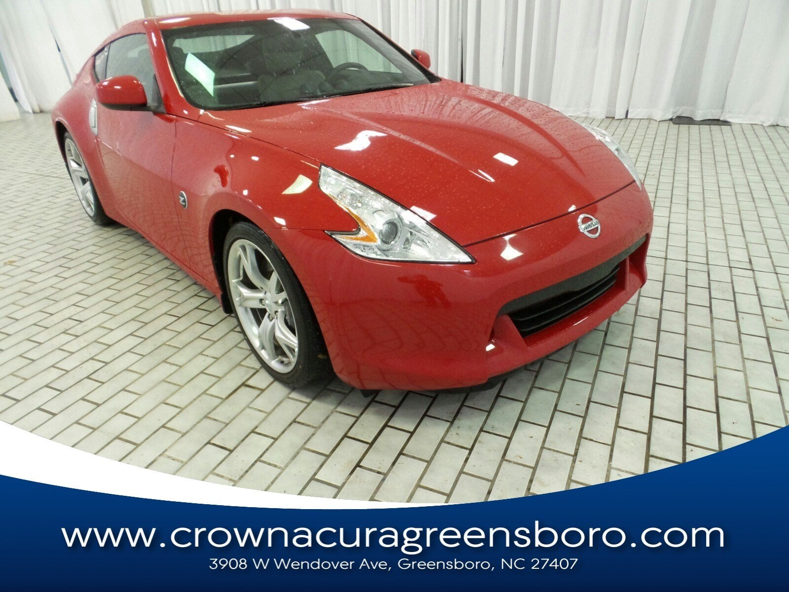 Photo Pre-Owned 2009 Nissan 370Z Touring in Greensboro NC
