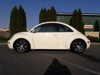 2004 Volkswagen New Beetle GL 2dr Coupe