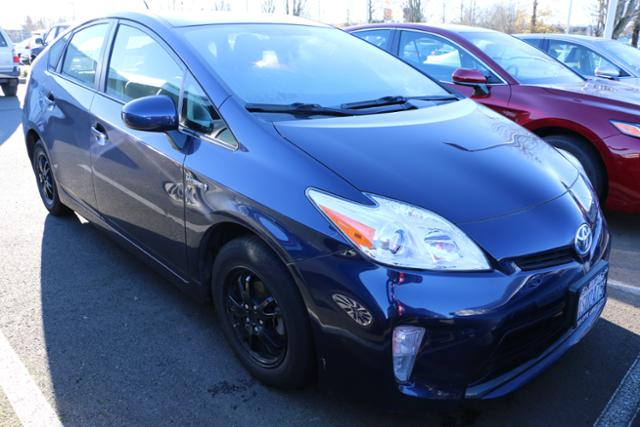 Photo Used 2015 Toyota Prius 5dr HB Two in Salem, OR