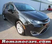 2017 Chrysler Pacifica Touring Van in Syracuse