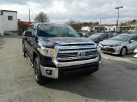 Pre-Owned 2016 Toyota Tundra CrewMax 5.7L V8 6-Spd AT SR5 4WD truck