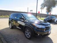 Used 2016 Toyota Highlander LE Plus V6 SUV FWD For Sale in Houston