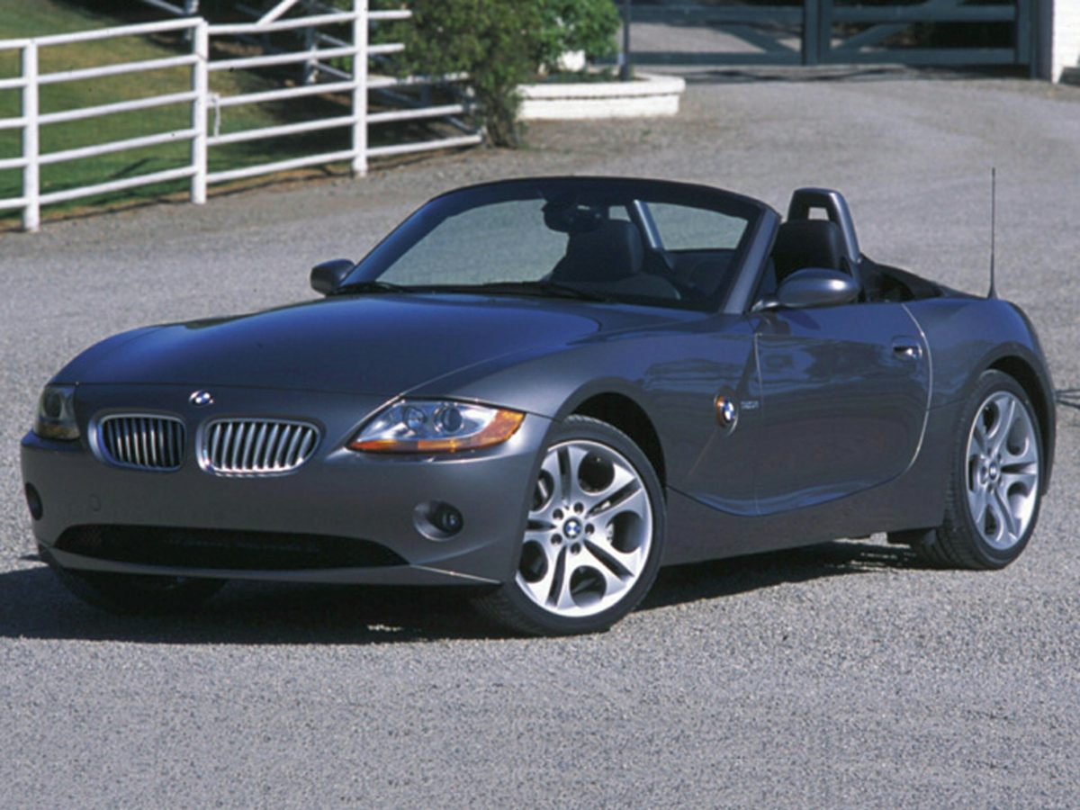 Photo Used 2004 BMW Z4 For Sale  Soquel CA