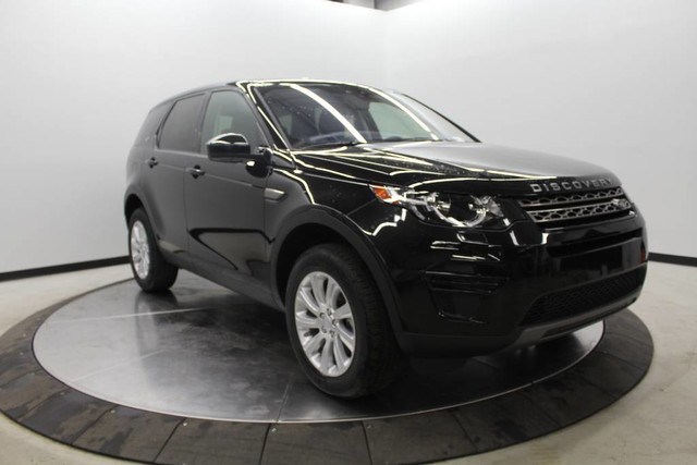Photo Pre-Owned 2017 Land Rover Discovery Sport SE With Navigation