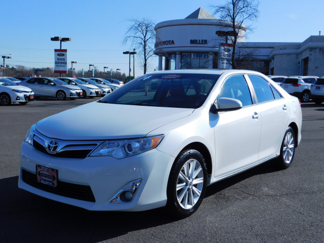 Certified Pre-Owned 2014 Toyota Camry XLE 2014.5 FWD 4D Sedan