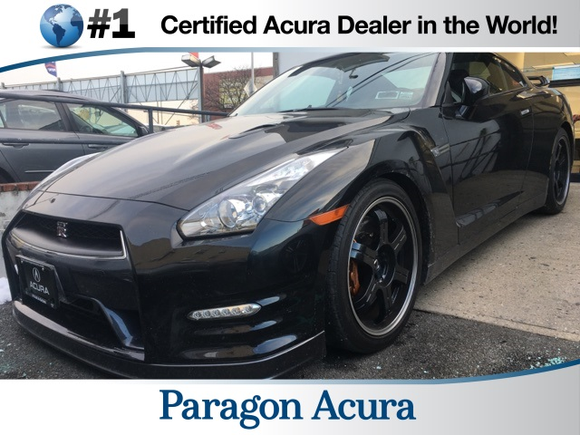 Photo Pre-Owned 2012 Nissan GT-R