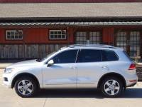 2011 Volkswagen Touareg AWD VR6 Executive 4dr SUV