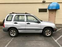 2000 Chevrolet Tracker 4dr 4WD SUV