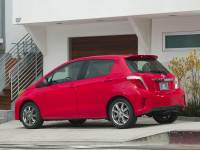 Pre-Owned 2012 Toyota Yaris SE FWD 5D Hatchback