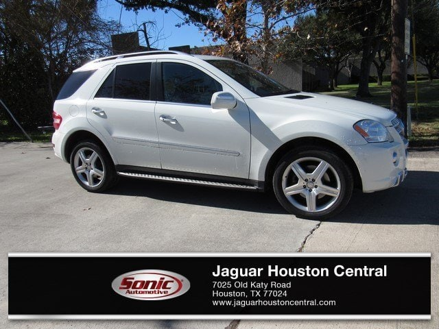 Photo Used 2010 Mercedes-Benz M-Class ML 550 in Houston, TX