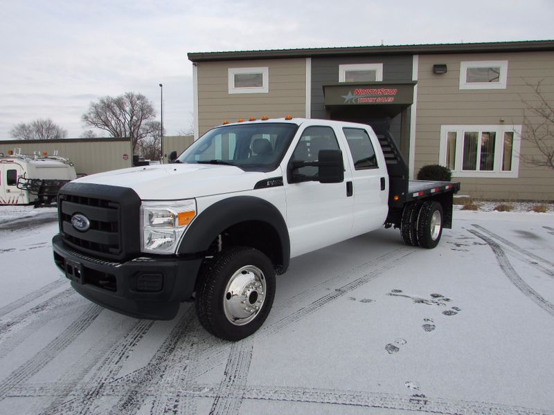 Photo Used 2011 Ford Super Duty F-450 DRW Chassis Cab XL