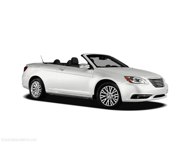 Photo Used 2011 Chrysler 200 Touring Convertible For Sale Near Anderson, Greenville, Seneca SC