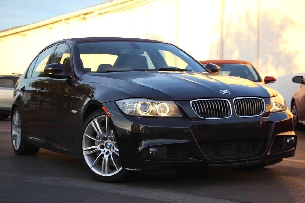 Photo Used 2011 BMW 3 Series 335i, POWER GROUP, HARMONKARDON, 1 OWNER