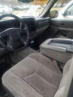 2004 Chevrolet Tahoe LS 4dr SUV