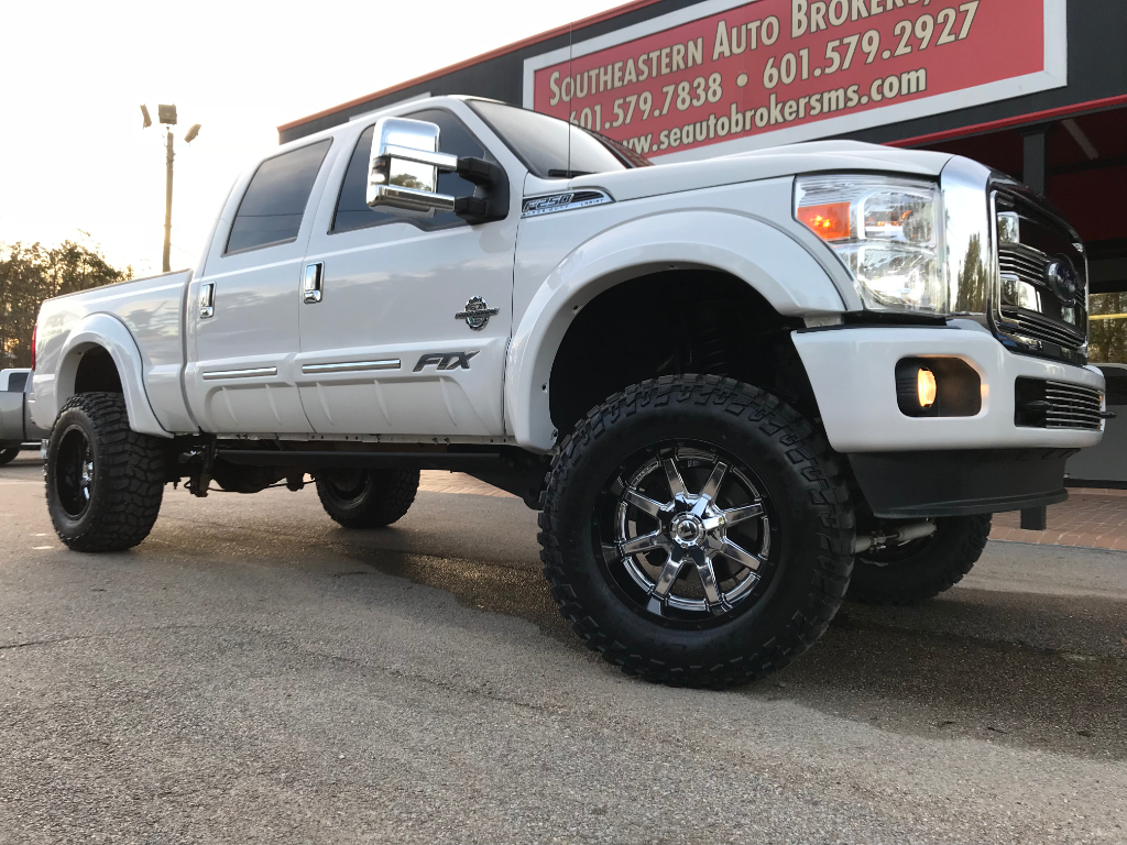 Photo 2015 Ford F-250 SD LARIAT CREW CAB 4WD FTX CONVERSION CUSTOM LIFTED