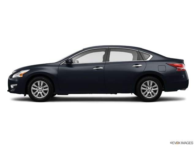 Used 2014 Nissan Altima 2.5 S Sedan Front-wheel Drive in Chicago