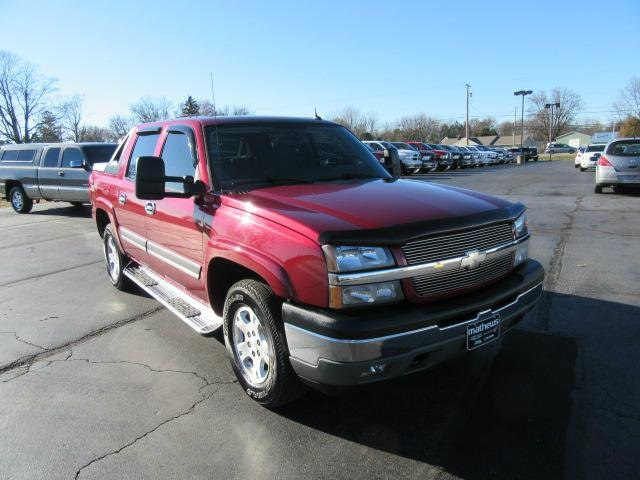 2005 Chevrolet Avalanche 1500 1500 Crew Cab 130 WB 4WD Z71 Truck
