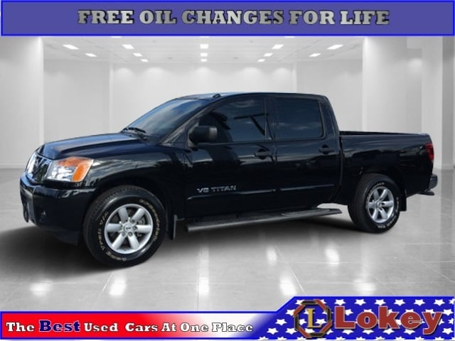 Photo Used 2014 Nissan Titan SV Truck in Clearwater, FL