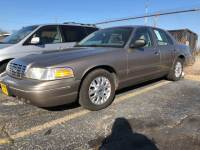 2004 Ford Crown Victoria LX 4dr Sedan