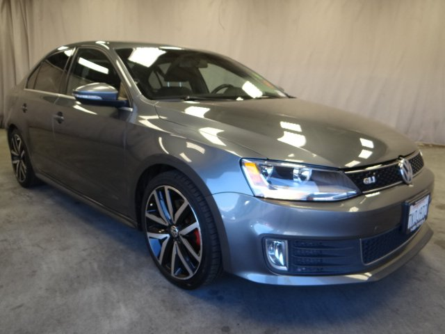 Photo Used 2012 Volkswagen Jetta GLI A6 For Sale in Sunnyvale, CA