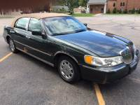 2000 Lincoln Town Car Signature 4dr Sedan