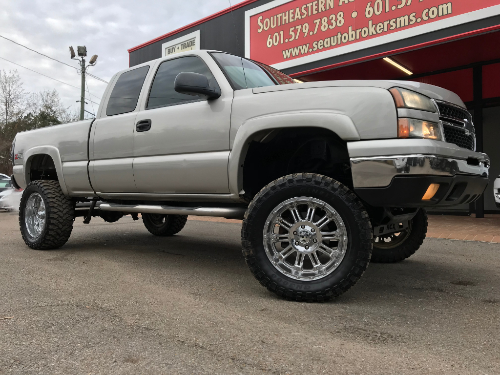 Photo 2007 Chevrolet Silverado Classic 1500 Z71 EX CAB 4WD CUSTOM LIFTED