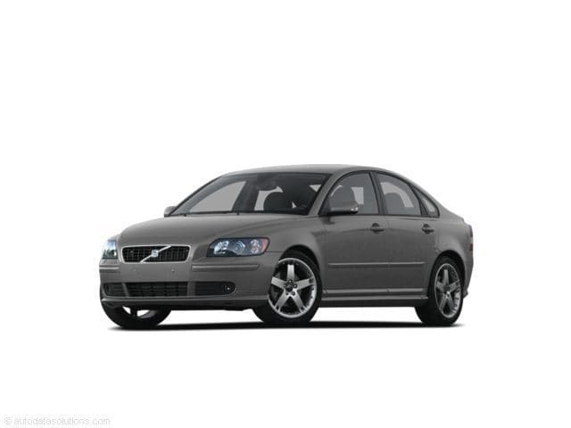 Photo Pre-Owned 2007 Volvo S40 2.4i Sedan in Raleigh NC