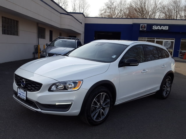 Photo 2015 Volvo V60 Cross Country T5 2015.5 Wagon in South Deerfield, MA