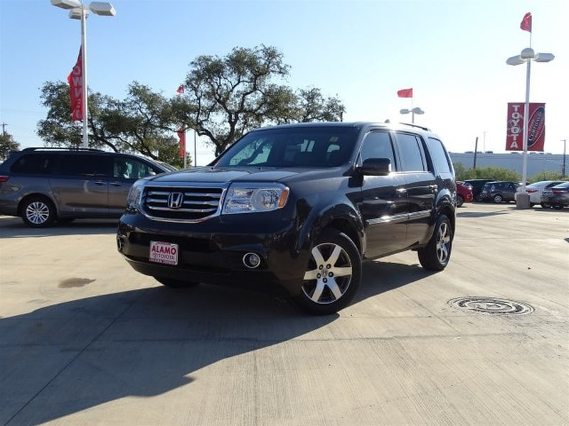 Photo Used 2013 Honda Pilot For Sale in San Antonio TX  5FNYF3H94DB003738