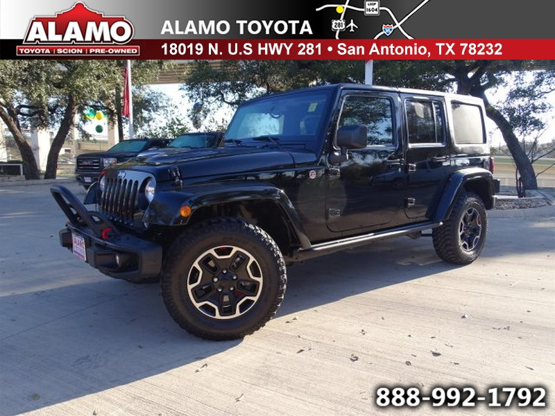 Photo Used 2015 Jeep Wrangler Unlimited For Sale in San Antonio TX  1C4HJWFGXFL698843