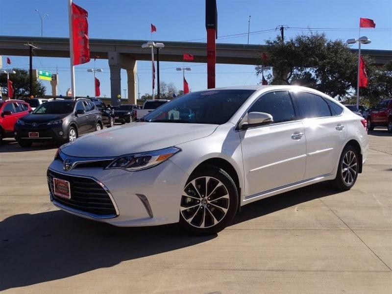 Photo Used 2017 Toyota Avalon For Sale  San Antonio TX  VIN 4T1BK1EB4HU252207