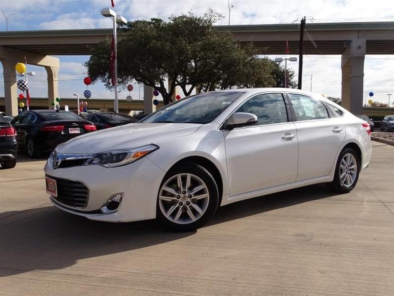 Photo Used 2015 Toyota Avalon For Sale  San Antonio TX  VIN 4T1BK1EB5FU152744
