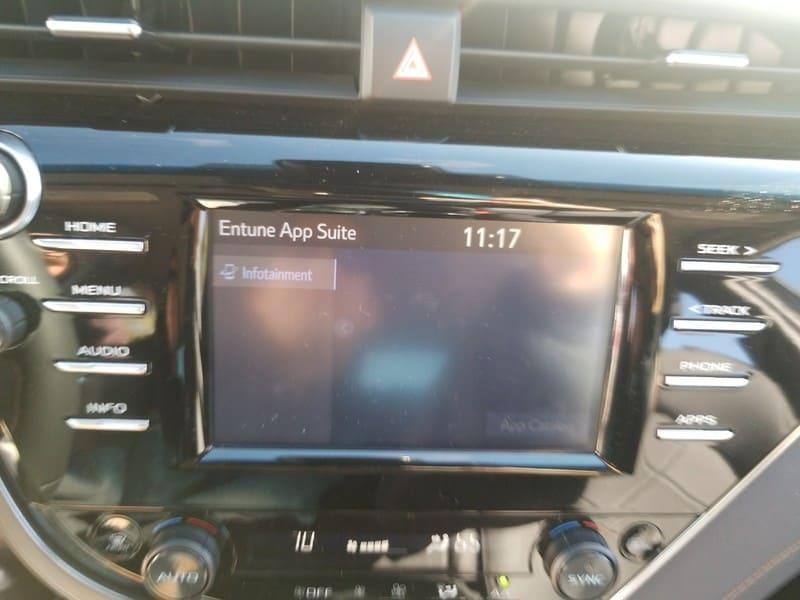 Photo Used 2018 Toyota Camry Hybrid For Sale in San Antonio TX  4T1B21HK3JU500335