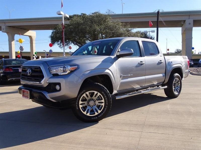 Photo Used 2016 Toyota Tacoma For Sale  San Antonio TX  VIN 5TFAZ5CN4GX011566