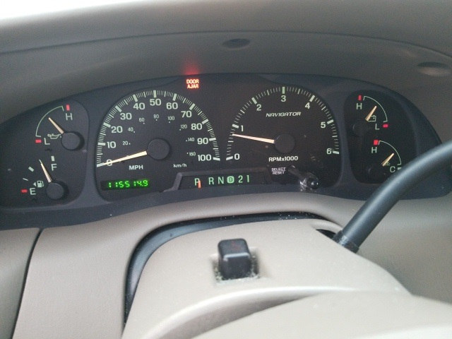 Photo 2000 Lincoln Navigator Base For Sale Near Fort Worth TX  DFW Used Car Dealer