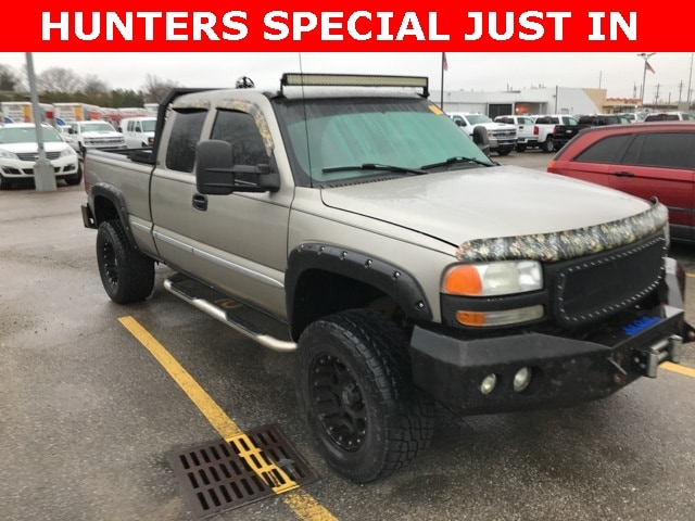 Photo Used 2000 GMC Sierra 1500 Truck Extended Cab in Louisville