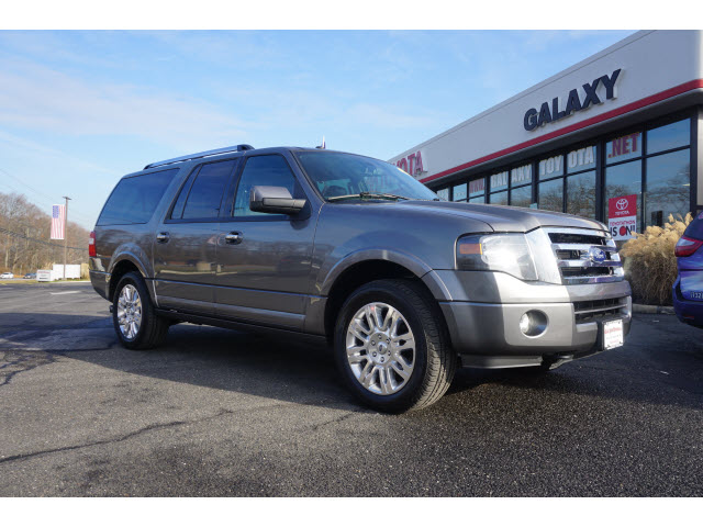 Photo Pre-Owned 2012 Ford Expedition EL 4x4 Limited 4dr SUV 4WD