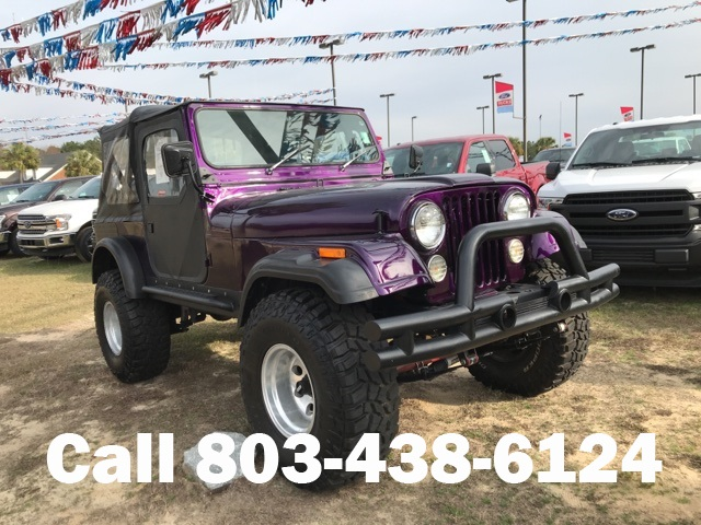 Photo Pre-Owned 1983 Jeep CJ-7 2D Convertible 4WD