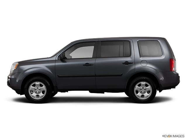 Photo Pre-Owned 2013 Honda Pilot LX SUV 4x4 in Middletown, RI Near Newport