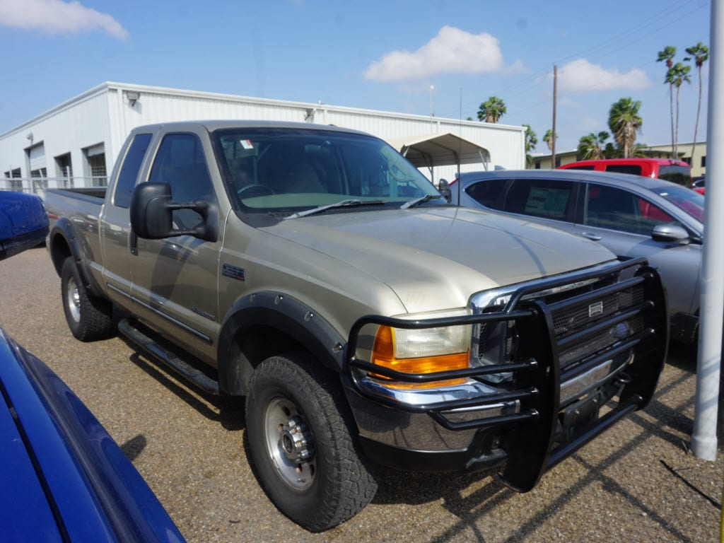 Photo Used 2000 Ford F-250 Super Duty XLT Extended Cab LB near Harlingen, TX