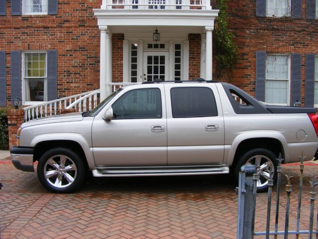 Photo 2004 Chevrolet Avalanche 1-OWNER REGENCY package, chrome wheels, wood trim NONE NICER MUST C