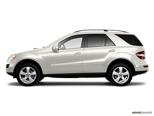 Photo Used 2010 Mercedes-Benz M-Class ML350 4MATIC SUV in Houston, TX