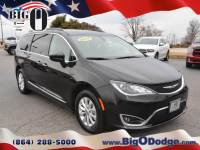 Certified Pre-Owned 2017 Chrysler Pacifica Touring-L Mini-Van in Greenville, SC