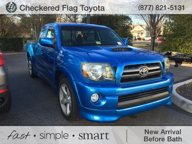 Photo Pre-Owned 2010 Toyota Tacoma X-Runner RWD 4D Access Cab