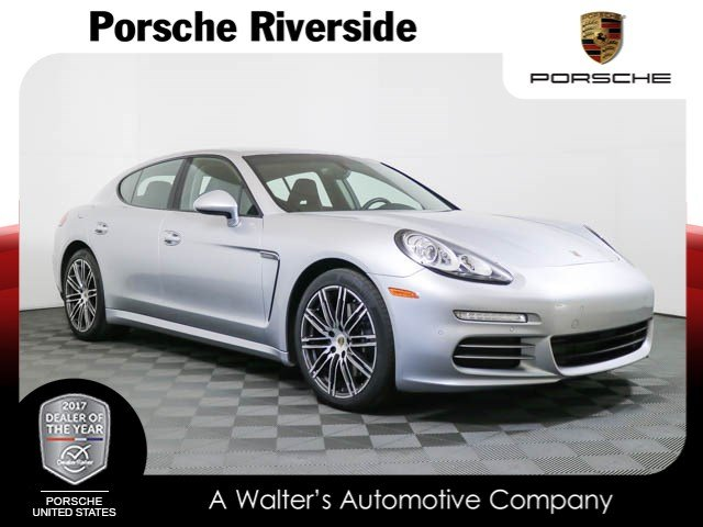 Photo Certified Pre-Owned 2015 Porsche Panamera 4