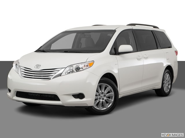 Photo Certified Used 2017 Toyota Sienna LE 8 Passenger Van For Sale on Long Island, New York