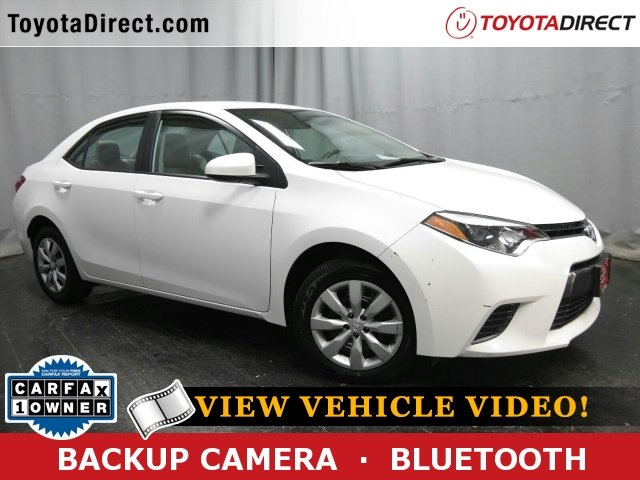 Photo 2015 Toyota Corolla LE Sedan Front-wheel Drive